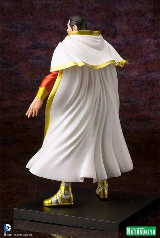 Shazam-New-52-ArtFX-plus-Statue-04