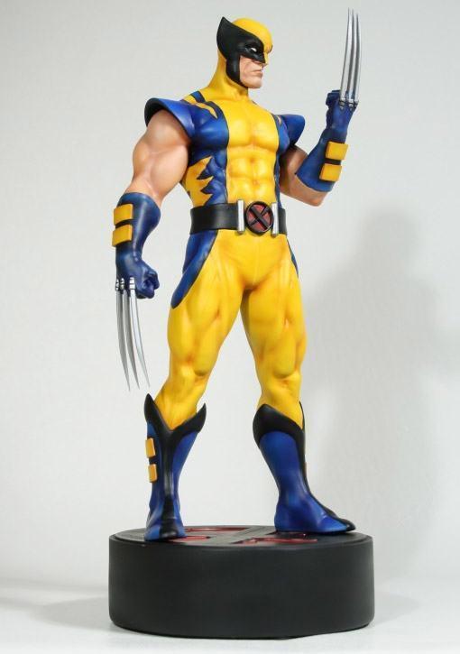 Astonishing-Wolverine-Statue-02