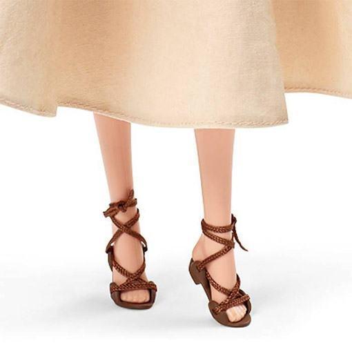 Audrey-Hepburn-Barbie-Roman-Holiday-Doll-03