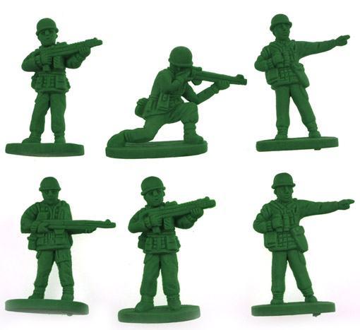 Borrachas-War-on-Errors-Soldiers-Erasers-02