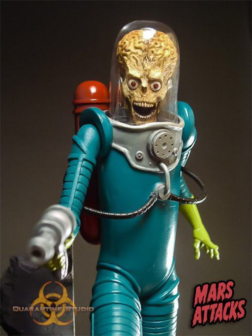 Mars-Attacks-Statue-Quarantine-02