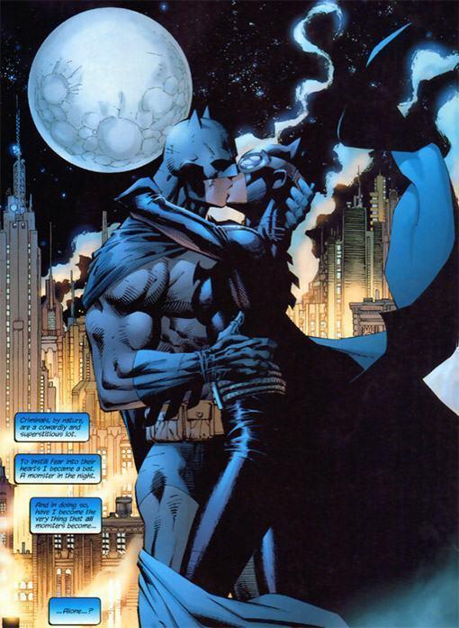 Batman-Catwoman-Kiss-Batman-Hush-Statue-04