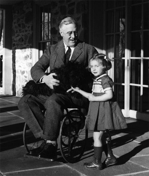 Franklin-D-Roosevelt-Cadeira-de-Rodas-08