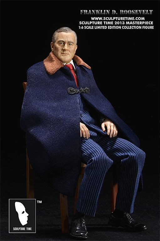 Franklin-D-Roosevelt-Masterpiece-Figure-05