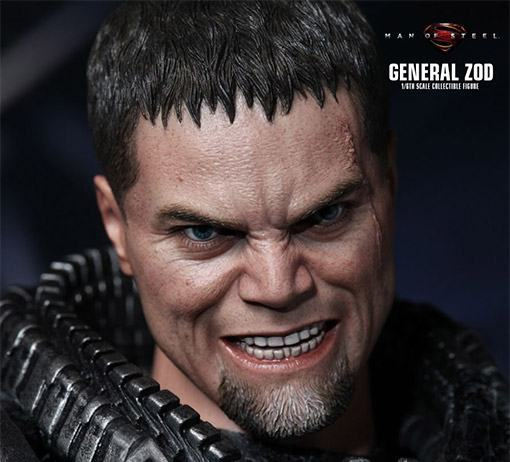 General-Zod-Hot-Toys-Action-Figure-02