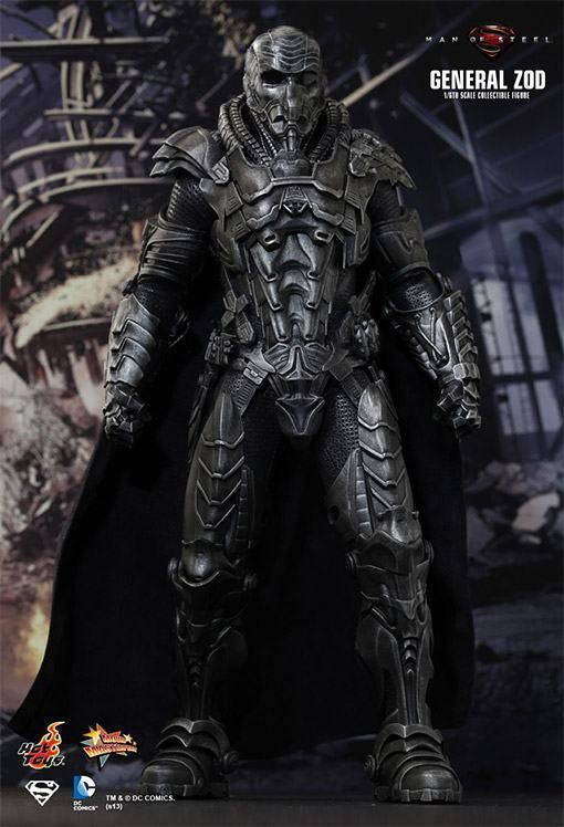 General-Zod-Hot-Toys-Action-Figure-04