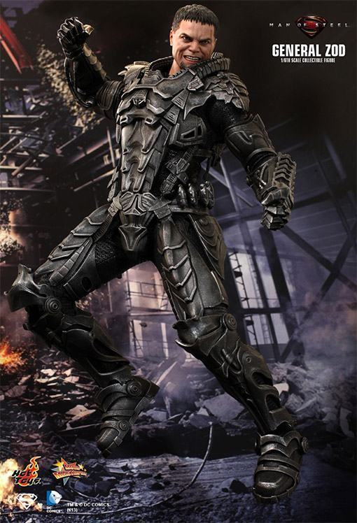 General-Zod-Hot-Toys-Action-Figure-07