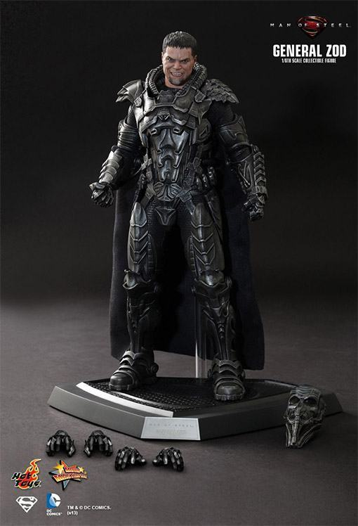 General-Zod-Hot-Toys-Action-Figure-09