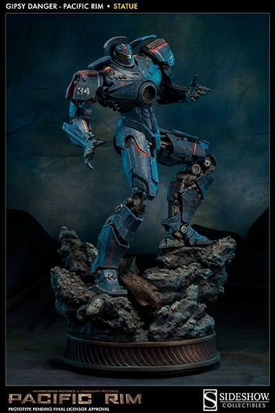 Gipsy-Danger-Pacific-Rim-Statue-01