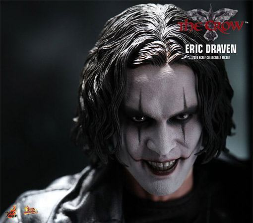 The-Crow-Eric-Draven-Collectible-Figure-02
