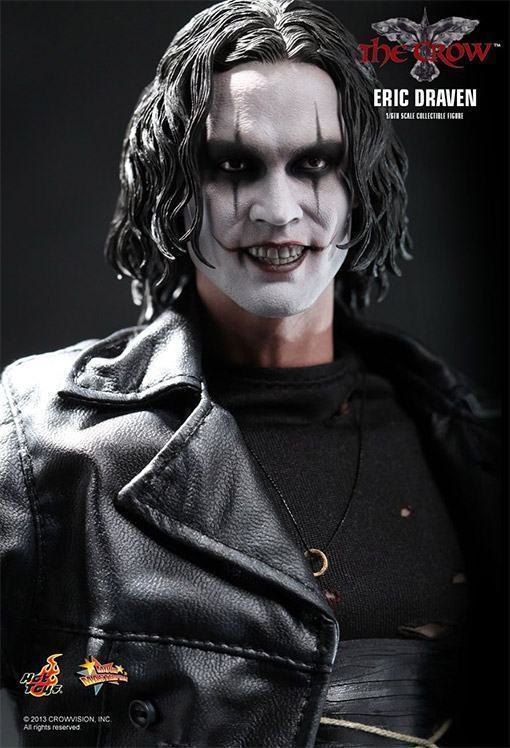 The-Crow-Eric-Draven-Collectible-Figure-04