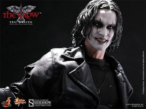 The-Crow-Eric-Draven-Collectible-Figure-07