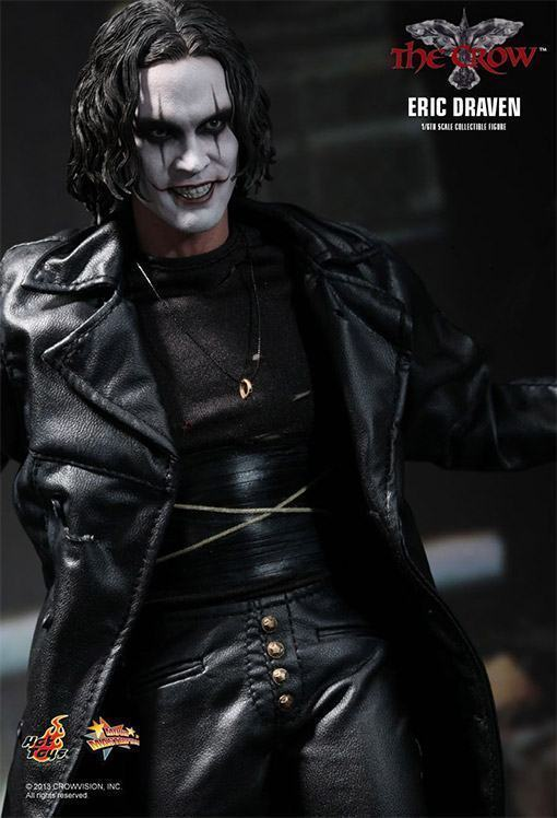 The-Crow-Eric-Draven-Collectible-Figure-08