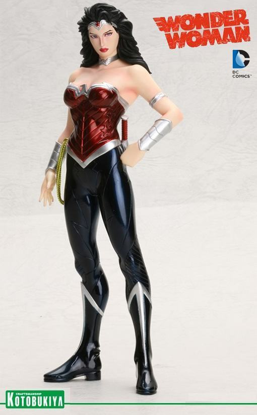Wonder-Woman-New-52-ArtFX-01