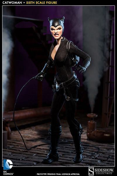 Catwoman-Sixth-Scale-Figure-Sideshow-06