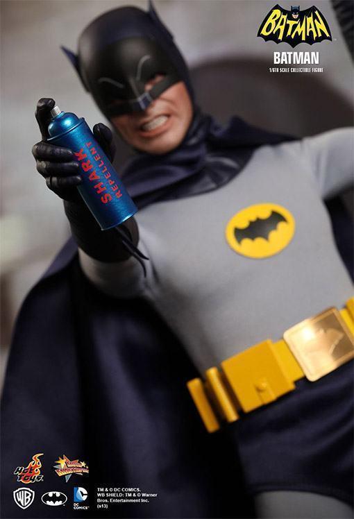 Hot-Toys-Batman-e-Robin-08