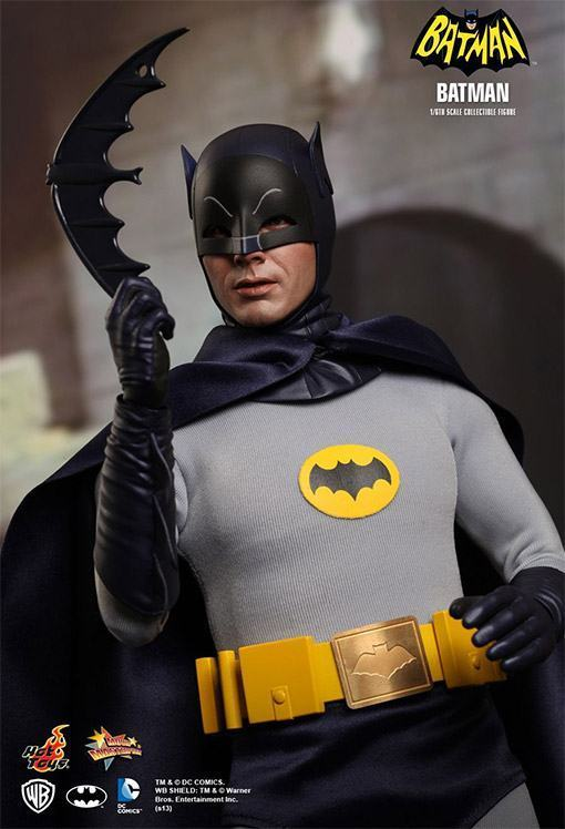 Hot-Toys-Batman-e-Robin-09