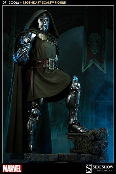 Doctor-Doom-Legendary-Scale-03