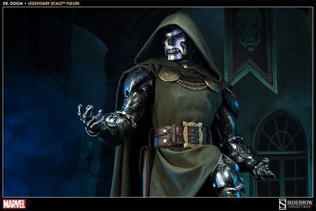 Doctor-Doom-Legendary-Scale-05