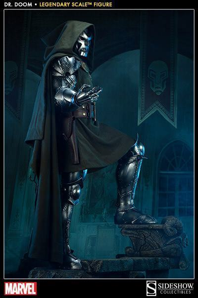 Doctor-Doom-Legendary-Scale-06
