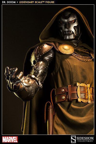 Doctor-Doom-Legendary-Scale-10