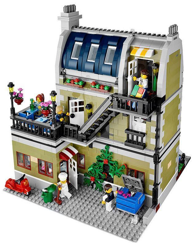 LEGO-Parisian-Restaurant-02