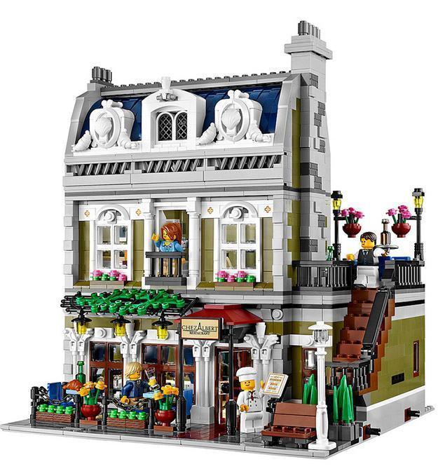 LEGO-Parisian-Restaurant-05