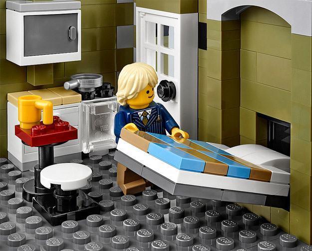 LEGO-Parisian-Restaurant-08