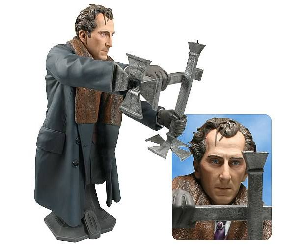 Peter-Cushing-as-Van-Helsing-Hammer-Masterpiece-Collection-Maxi-Bust-04