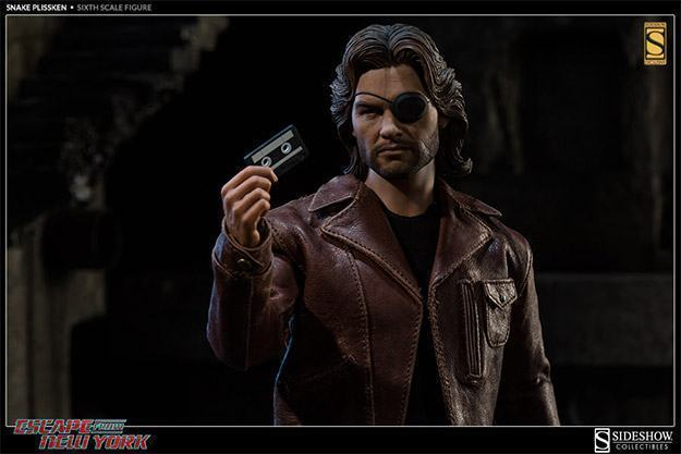 Snake-Plissken-Sixth-Scale-Figure-08