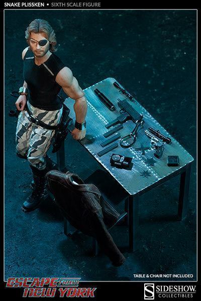 Snake-Plissken-Sixth-Scale-Figure-12