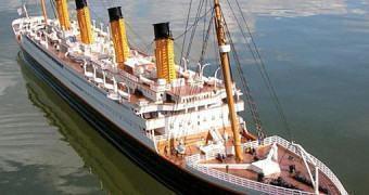 Réplica de 1,82m do RMS Titanic com Controle Remoto!
