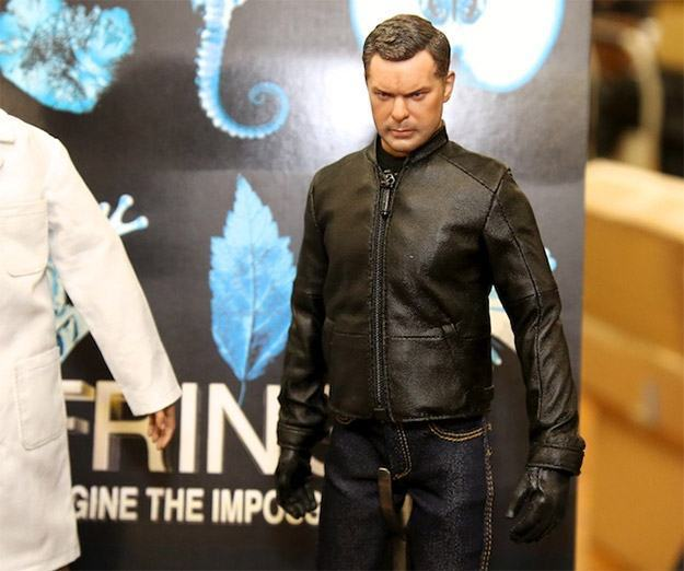 Action-Figures-Fringe-Series-02