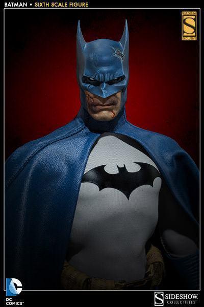 Batman-Sixth-Scale-Figure-Sideshow-02