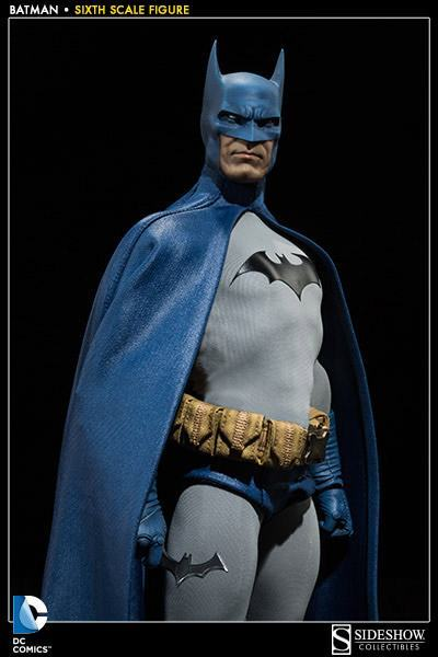 Batman-Sixth-Scale-Figure-Sideshow-03