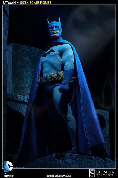 Batman-Sixth-Scale-Figure-Sideshow-04