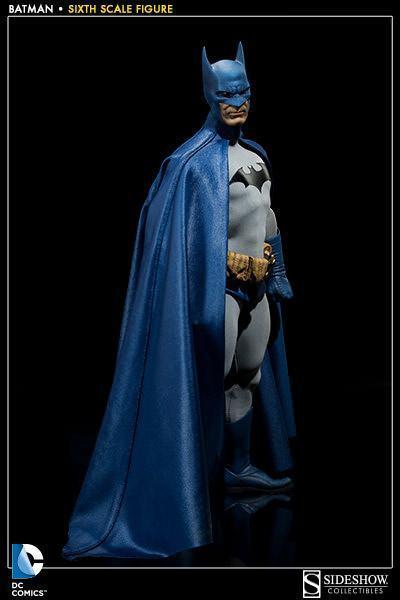 Batman-Sixth-Scale-Figure-Sideshow-05