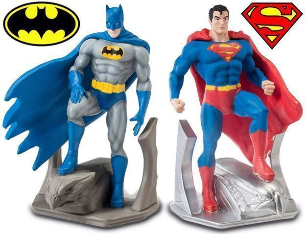 Batman-e-Superman-Bookends-Monogram-01