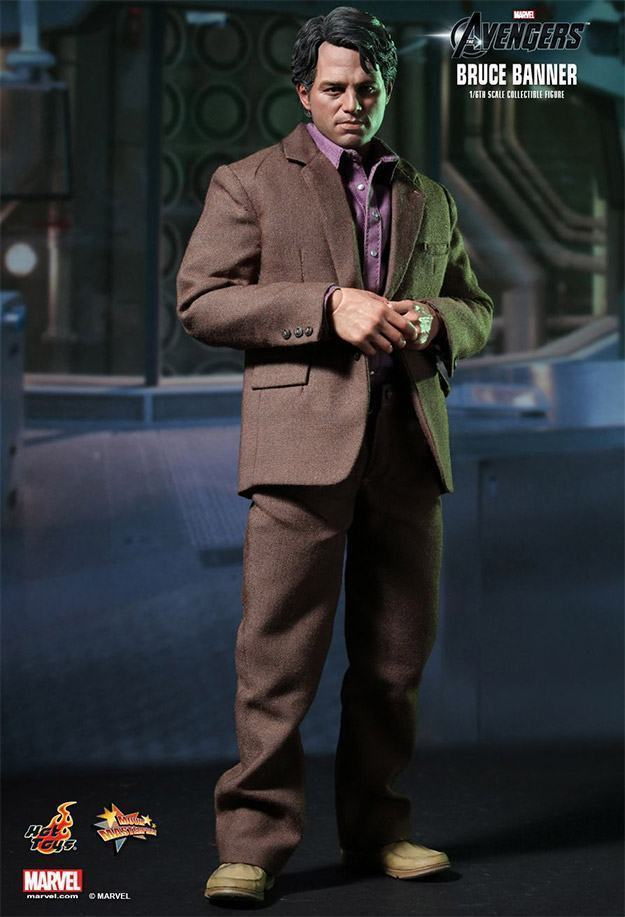 Bruce-Banner-The-Avengers-Collectible-Figure-02