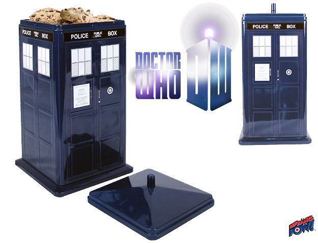 Doctor-Who-TARDIS-Cookie-Tin-01