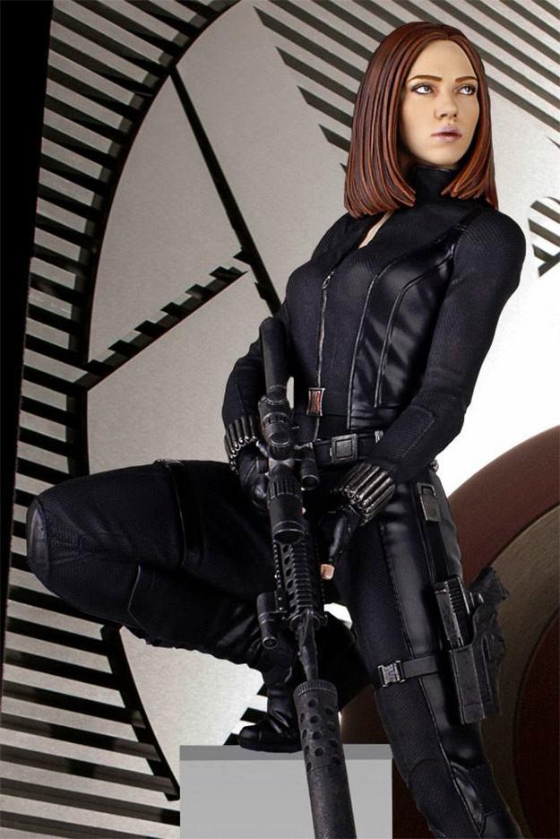 Estatua-Black-Widow-Gentle-Giant-02