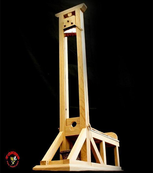 Guillotine-Heads-Will-Roll-Model-01