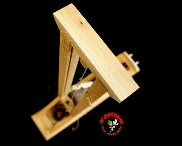 Guillotine-Heads-Will-Roll-Model-07
