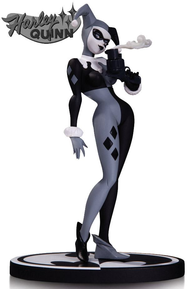 Harley-Quinn-Batman-Black-e-White-Statue-02