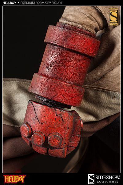 Hellboy-Premium-Format-Figure-09