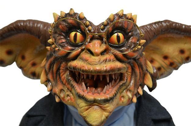 Marionete-Brain-Gremlin-Life-Size-Stunt-Puppet-Prop-Replica-02