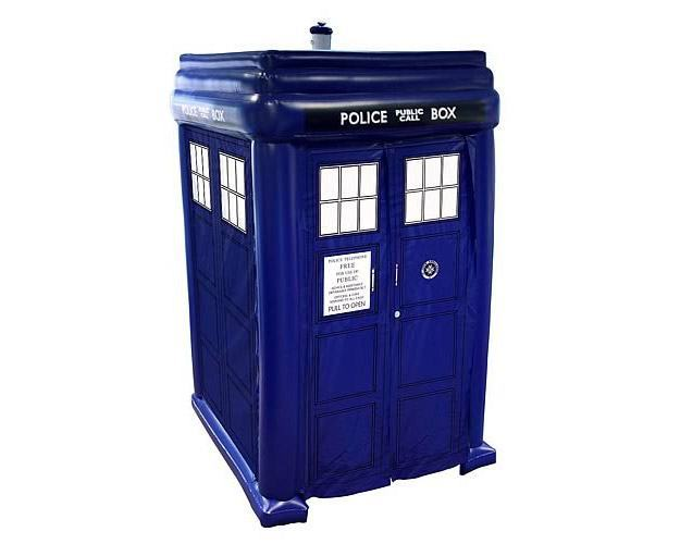 TARDIS-Inflatable-Step-In-Cabana-Inflavel-03