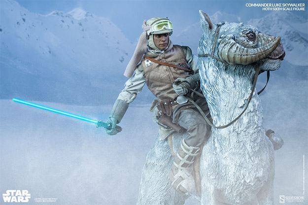 Commander-Luke-Skywalker-Hoth-Figure-02