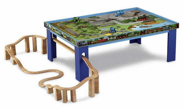 Thomas-Wooden-Railway-Play-Table-03