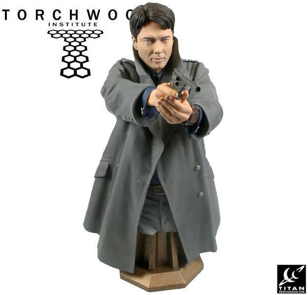 Torchwood-Masterpiece-Collection-Maxi-Bust-Captain-Jack-Harkness-02